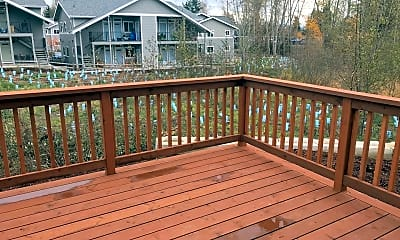 Patio / Deck, 2409 Main St, 2