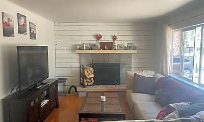 Living Room, 732 San Francisco Ave, 1