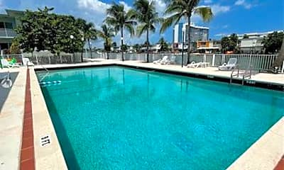 Pool, 7207 Bay Dr, 2