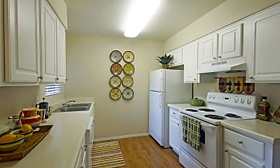 Kitchen, Palm Crest At Station 40, 0