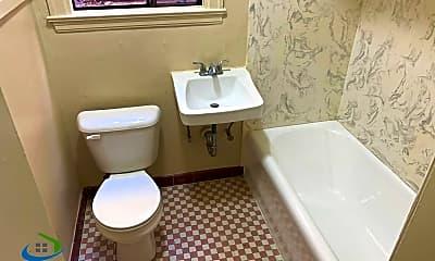 Bathroom, 603 S 1st St, 2