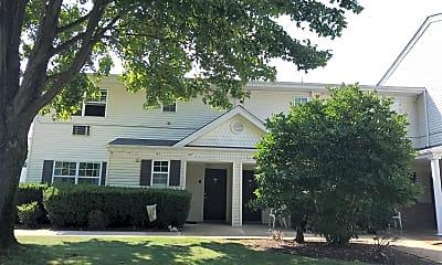 Oakwood Manor, 0