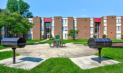 Playground, River Pointe Apartment Homes, 2