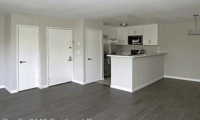 Kitchen, 2110 S Bentley Ave, 1