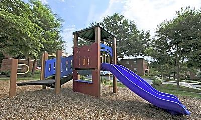 Playground, Goodacre & Pine Ridge, 2