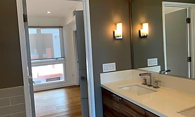 Bathroom, 1015 Figueroa Terrace 7, 2