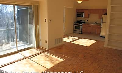 Living Room, 5212 Castlewood Rd, 1
