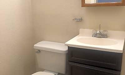 Bathroom, 3826 Leavell Ave, 2