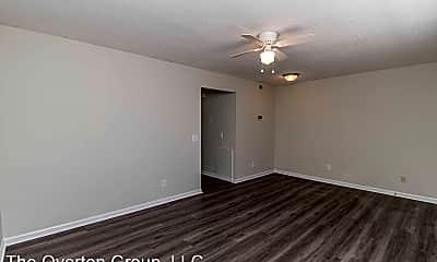 Living Room, 709 Johnston St, 2