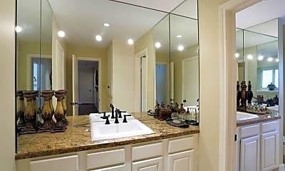 Bathroom, 602 Hallie Dr, 2