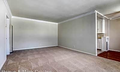 Living Room, 3144 S Barrington Ave, 1