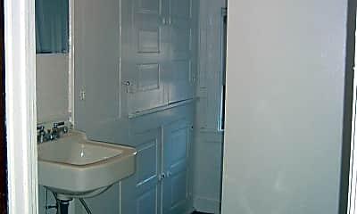 Bathroom, 620 Fellows Ave, 2