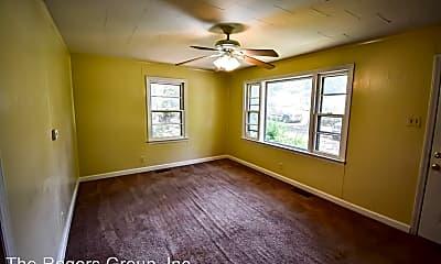 Living Room, 224 S Elizabeth St, 1