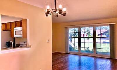 Living Room, 2112 N Kennicott Dr, 1