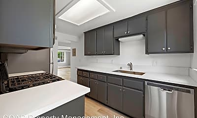 Kitchen, 1009 E 2nd Street, 1