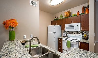 Kitchen, Crescent Cove At Lakepointe, 1