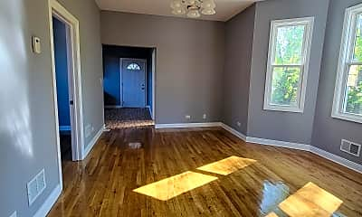 Living Room, 3225 S Lombard Ave, 1