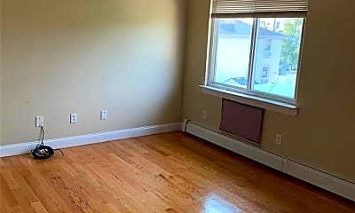 Living Room, 102-15 Dunton Ct, 2