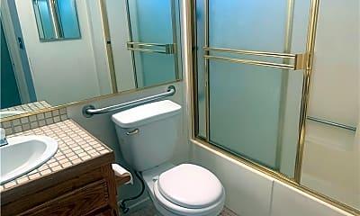 Bathroom, 6711 Woodman Ave 101, 2