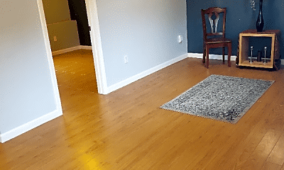 Living Room, 6013 Meridian Ave, 1