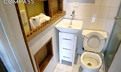 Bathroom, 197 Hancock St 3-R, 2