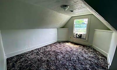 Living Room, 815 N Grant Ave, 2