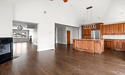 Living Room, 2955 W Catalpa Ave, 0