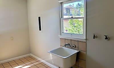 Bathroom, 1458 Ricardo St, 2