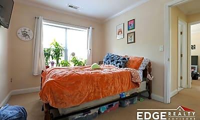 Bedroom, 168 Newton St, 2