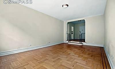 Bedroom, 725 W 184th St 4-J, 1
