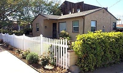 Building, 3896 Ampudia St, 1