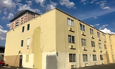Koala Apartments, 1