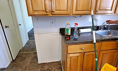 Kitchen, 31 Cedar St, 2