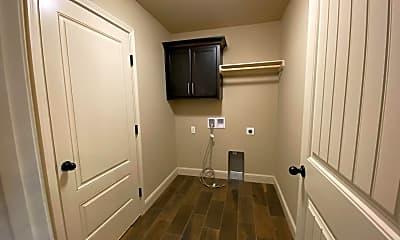 Bathroom, 1006 Nicholas Ln, 2