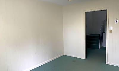 Bedroom, 2 E John Sims Pkwy, 0