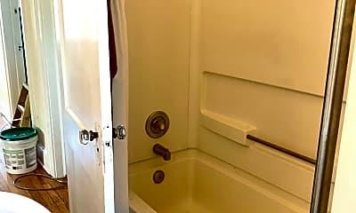 Bathroom, 605 2nd Ave 2, 2