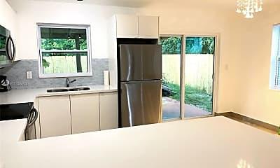 Kitchen, 2465 NE 183rd St 2, 1