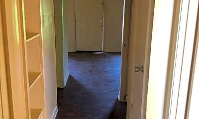 Bathroom, 2010 W Algonquin Trail, 2