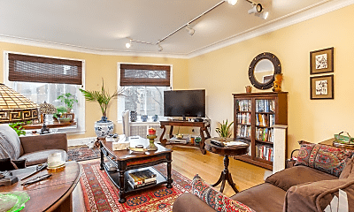 Living Room, 7355 N Winchester Ave, 1