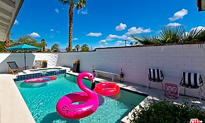 Pool, 77211 Calle Sonora, 1
