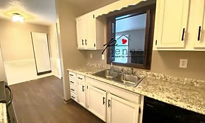 Kitchen, 1008-A W Maple Ave, 1