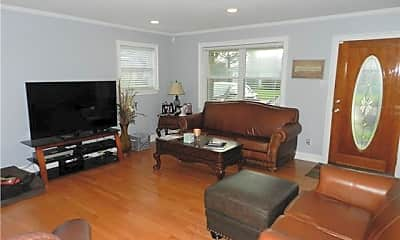 Living Room, 3303 Metairie Ct, 1