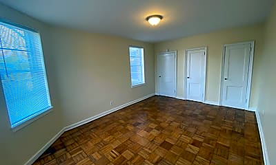 Living Room, 526 Edisto Ave, 2
