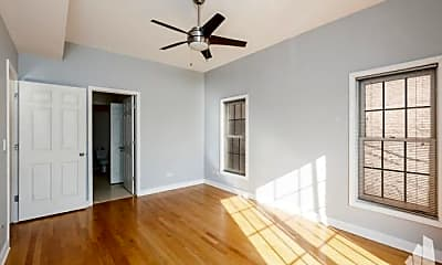 Bedroom, 811 W Superior St, 2