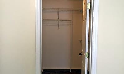 Bathroom, 104 Crooked Run Dr, 2