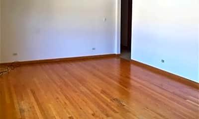 Living Room, 4920 N Lester Ave, 1