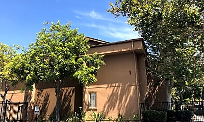 North River Club Apartments, 0
