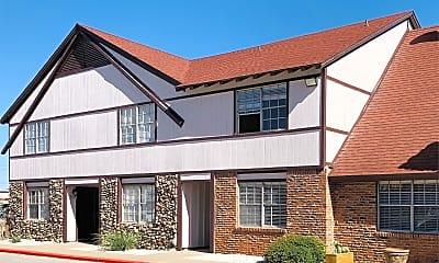 Building, 3815 Englewood Cir, 1