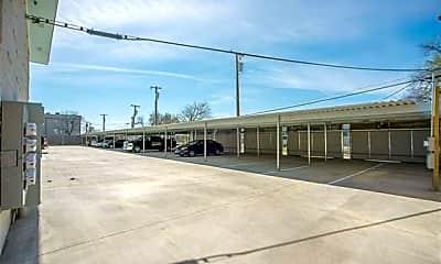 Building, 1809 Bennett Ave 105, 2