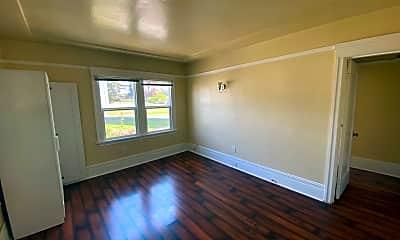 Living Room, 631 34th St, 2